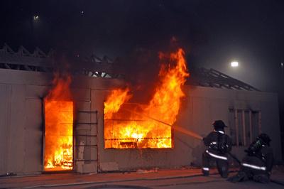 Onderzoek op ware grootte naar impact van horizontale ventilatie op brand.